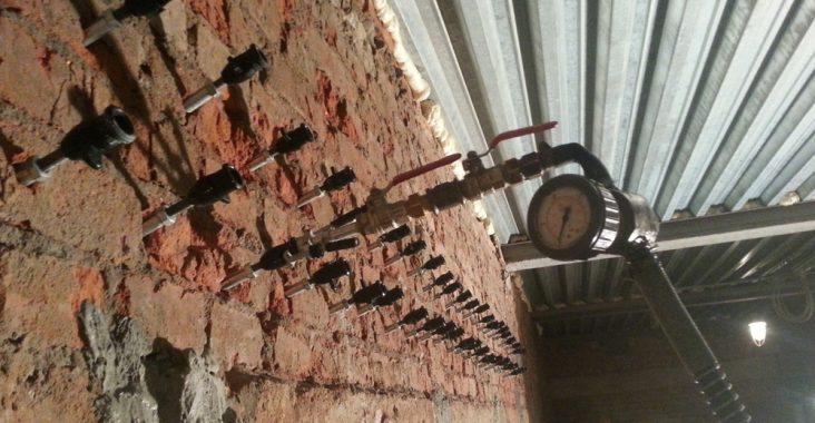 Инъектирование кладки из кирпича