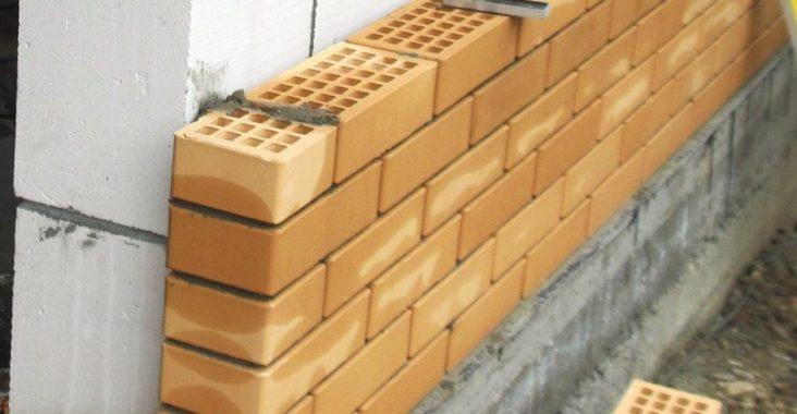 Облицовка кирпичом газобетонных блоков